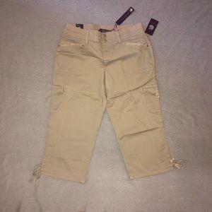 NWT Gloria Vanderbilt Khaki Crop Capri Cargo Pants